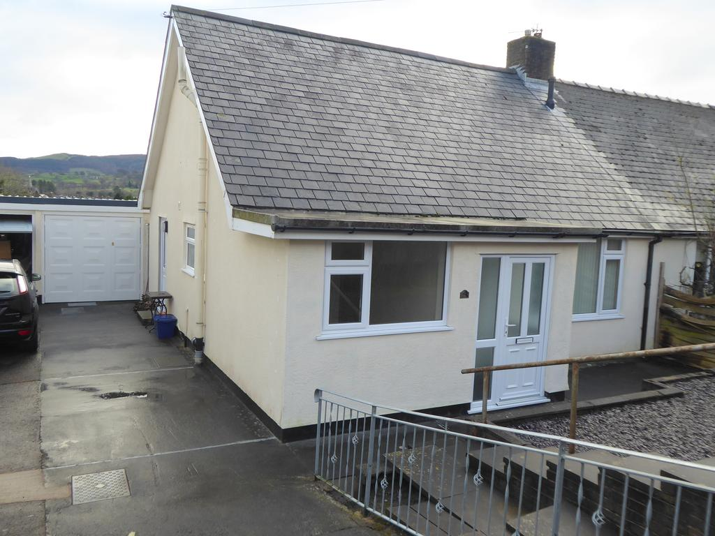 3 Bedrooms Semi Detached House for sale in Bala LL23
