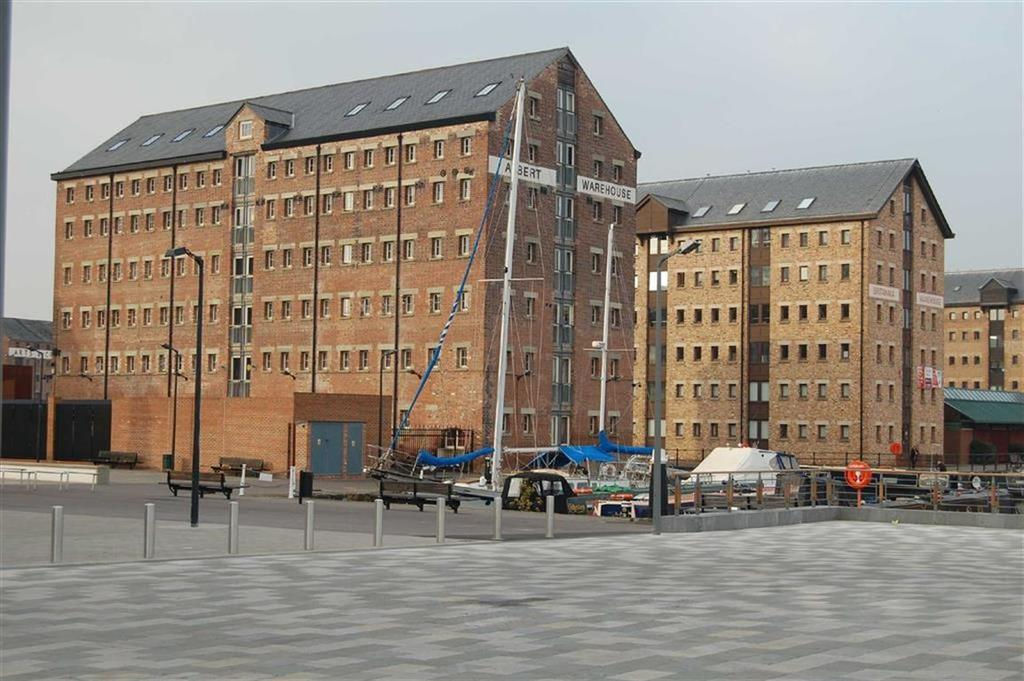 2 Bedrooms Apartment Flat for sale in Albert Warehouse, Gloucester