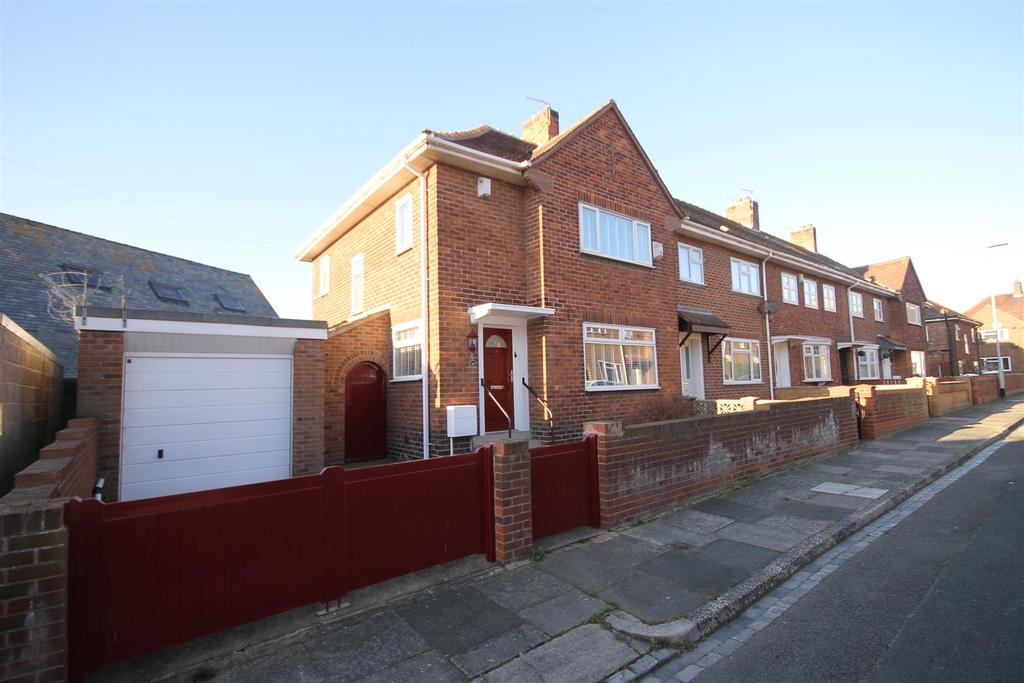 3 Bedrooms End Of Terrace House for sale in Londonderry Street, Headland, Hartlepool