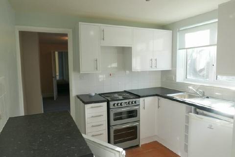 2 bedroom flat to rent - JOHN'S RD - WOOLSTON - UNFURN