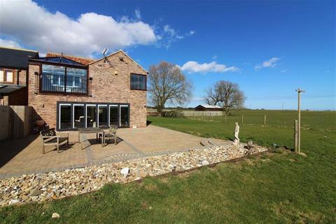 4 bedroom detached house for sale - Bridlington Road, Fraisthorpe, East Yorkshire