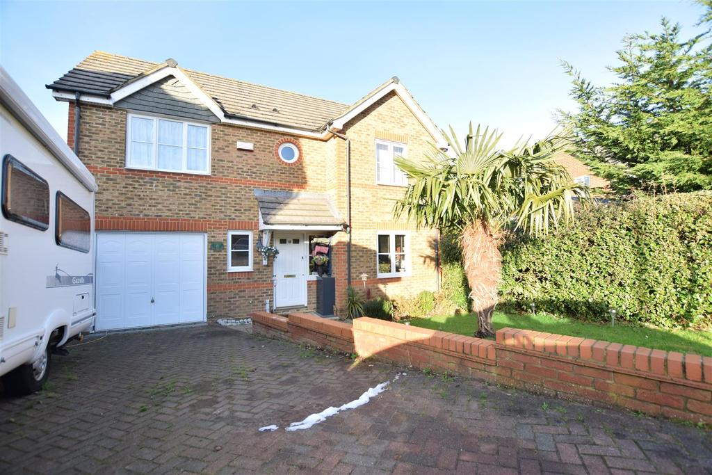 3 Bedrooms Detached House for sale in The Sedges, St. Leonards-On-Sea