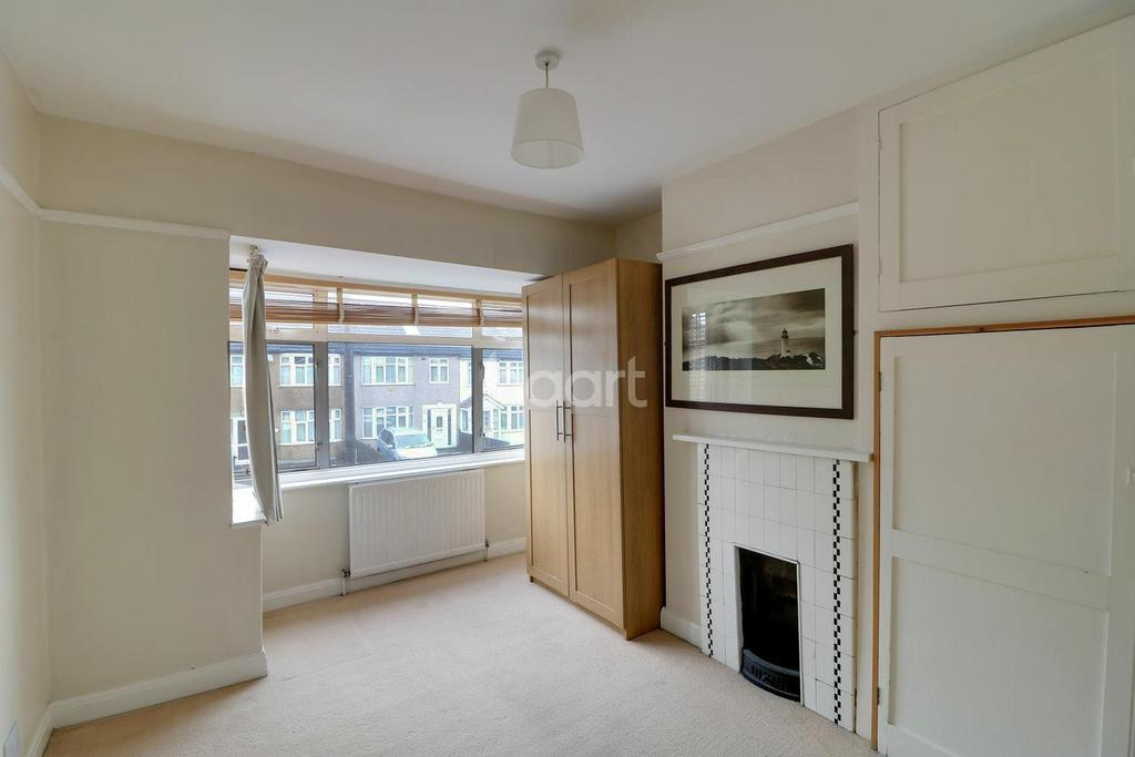 3 Bedrooms Terraced House for sale in Grosvenor Crescent, Hillingdon