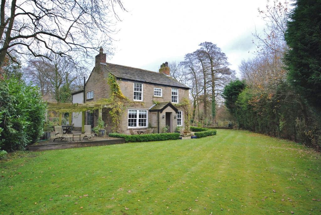 4 Bedrooms Detached House for sale in Flash Lane, Prestbury
