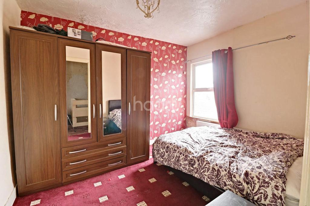 3 Bedrooms End Of Terrace House for sale in Queens Park, Bedford