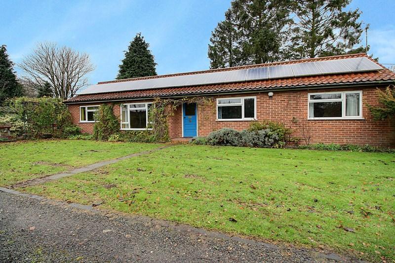2 Bedrooms Bungalow for sale in Greengate, Swanton Morley, Dereham