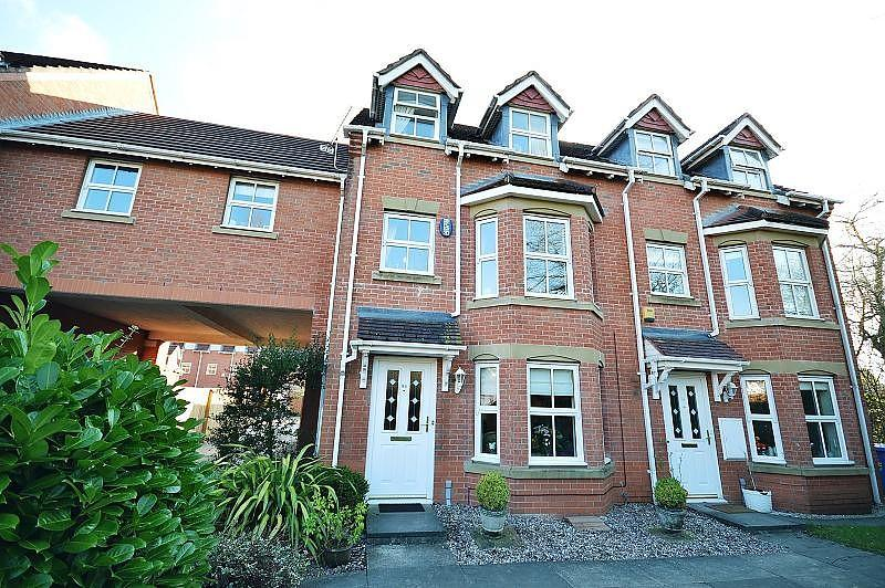 4 Bedrooms Mews House for sale in Bucklow Gardens, Lymm