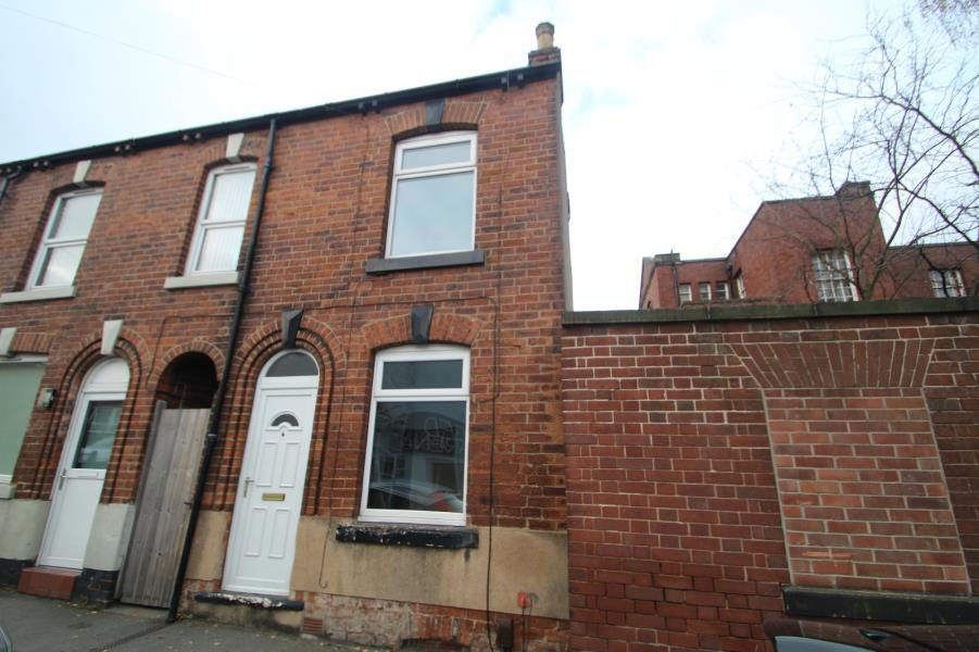2 Bedrooms Terraced House for sale in BRADLEY STREET, CASTLEFORD, WF10 1HR