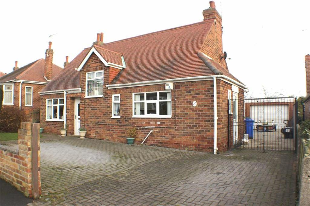 3 Bedrooms Detached Bungalow for sale in Nightingale Road, Bridlington, East Yorkshire