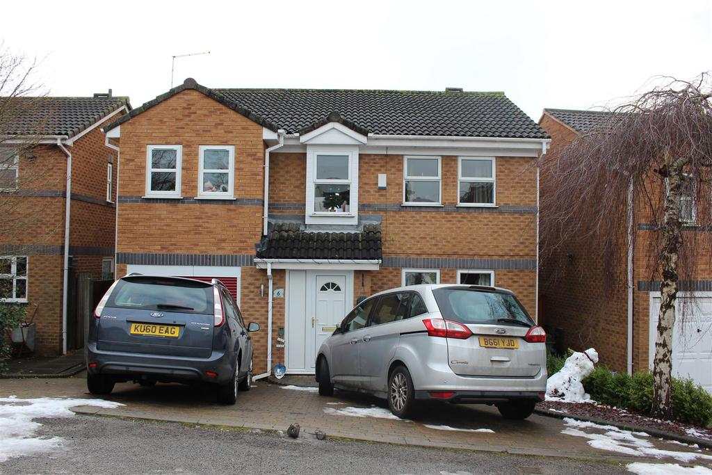 4 Bedrooms Detached House for sale in Linnet Close, Narborough, Leicester