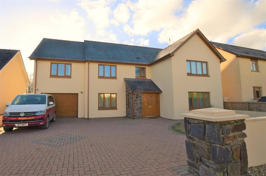 5 Bedrooms Detached House for sale in Rosemarket