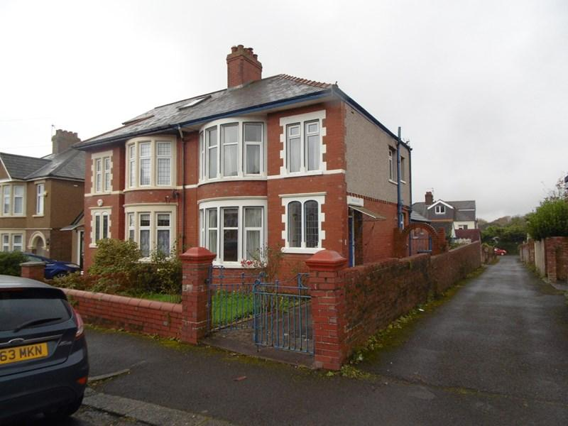 3 Bedrooms Semi Detached House for sale in Cradoc Road Whitchurch, Cardiff