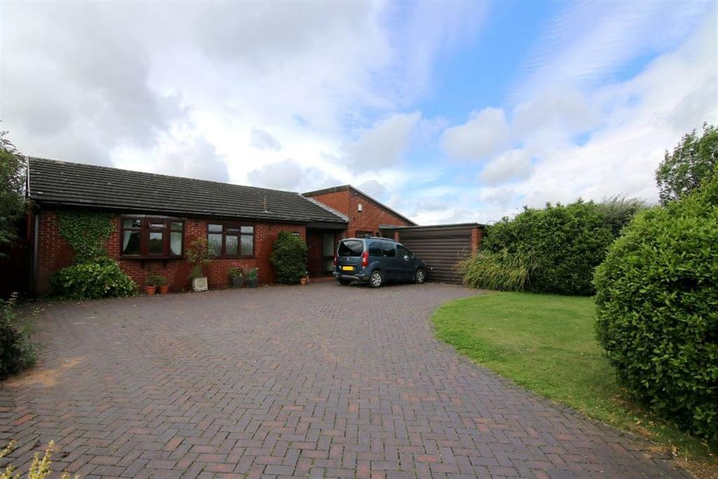 4 Bedrooms Detached Bungalow for sale in Kinnerton Road, Dodleston