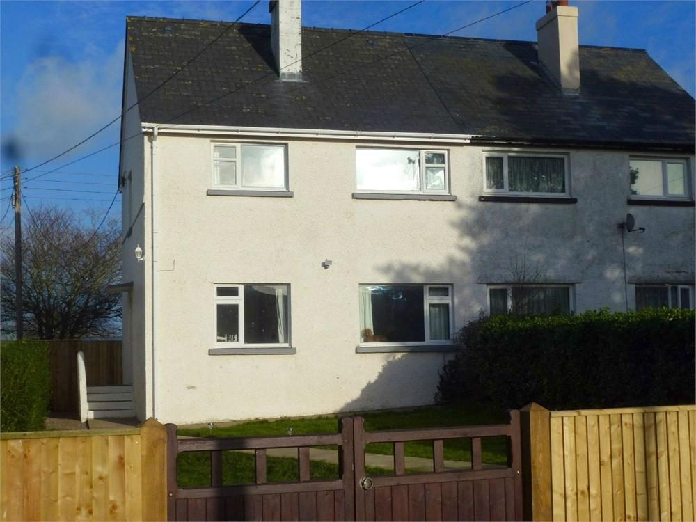 3 Bedrooms Semi Detached House for sale in Heol Y Felin, Penparc, Cardigan, Ceredigion