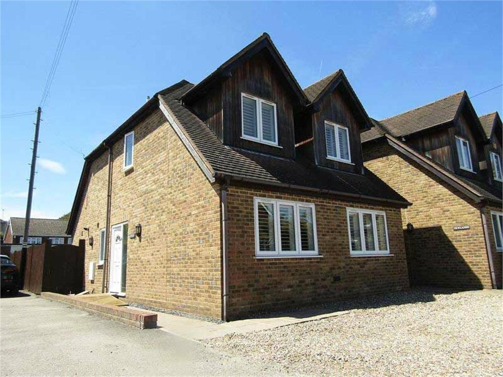 3 Bedrooms Detached House for sale in Vale Road, West Dartford
