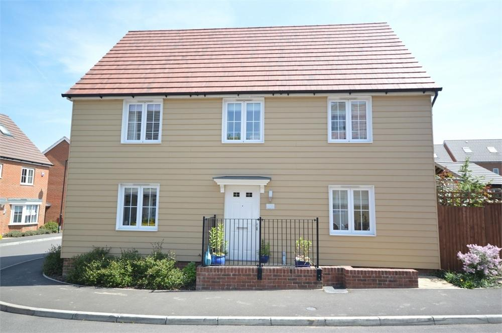 4 Bedrooms Detached House for sale in The Chase, Longfield