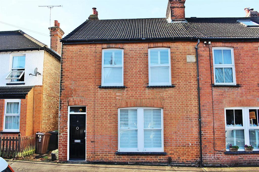 3 Bedrooms Semi Detached House for sale in Cape Road, St. Albans