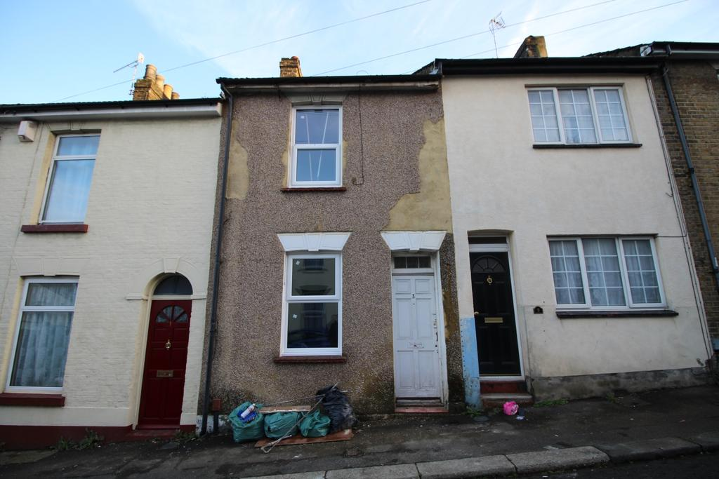 2 Bedrooms Terraced House for sale in Sturla Road Chatham ME4