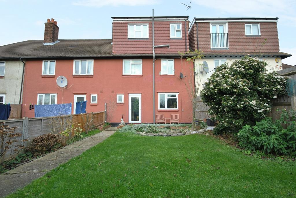 5 Bedrooms Terraced House for rent in Mayeswood Road Lee SE12