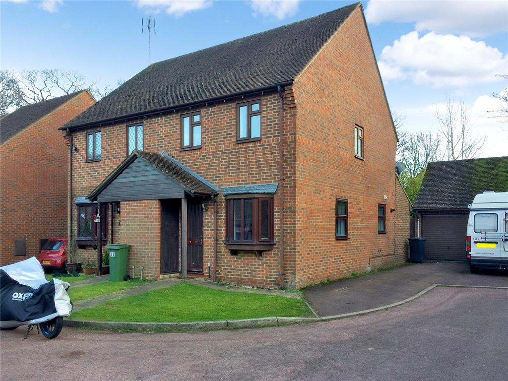 3 Bedrooms Semi Detached House for rent in Binfields Close, Chineham, Basingstoke, Hampshire, RG24