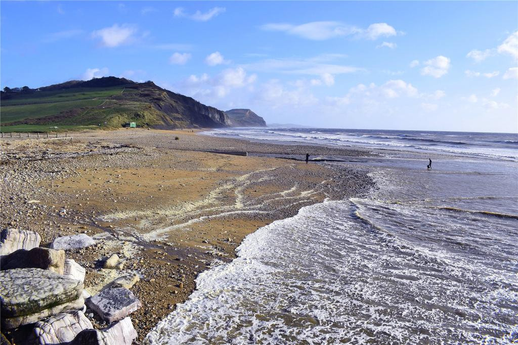 2 Bedrooms Flat for sale in Southwinds, Lower Sea Lane, Charmouth, Bridport