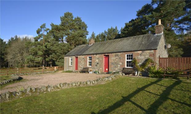 2 Bedrooms Detached House for sale in Adielin Cottage, Glen Clova, Kirriemuir