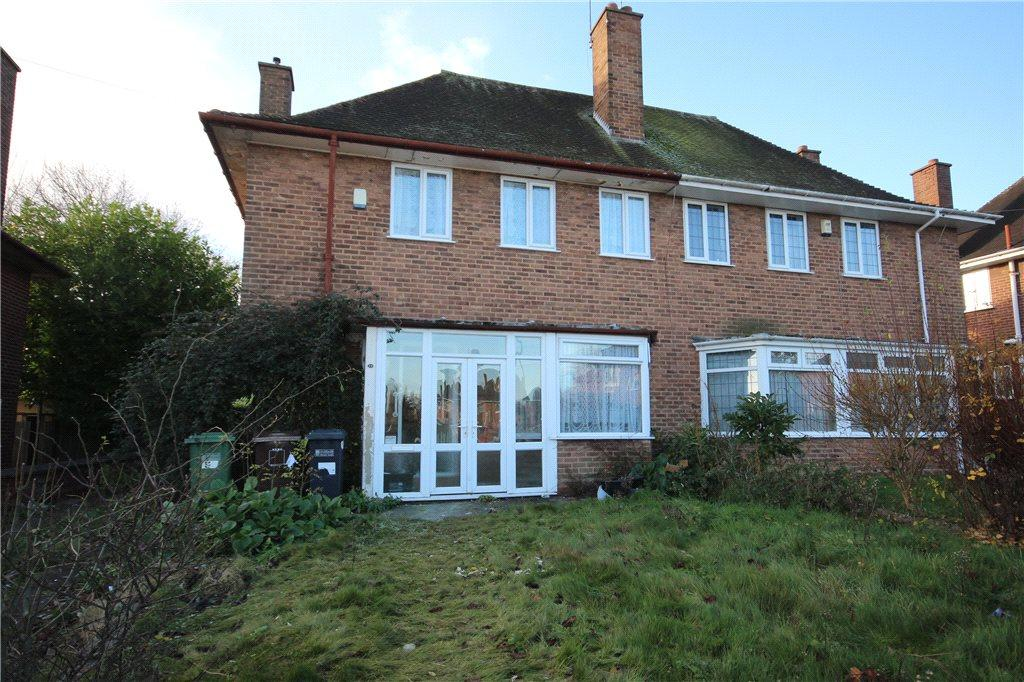3 Bedrooms Semi Detached House for sale in Tanhouse Farm Road, Solihull, West Midlands, B92