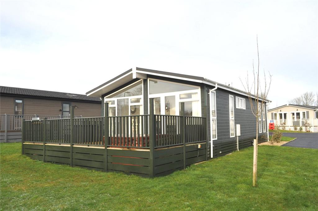 2 Bedrooms Bungalow for sale in Louis Way, Dunkeswell, Honiton, Devon, EX14