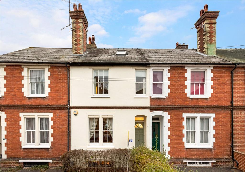 3 Bedrooms Terraced House for sale in Stoke Fields, Guildford, Surrey, GU1