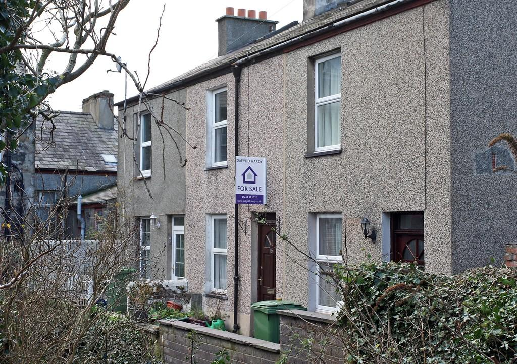 3 Bedrooms Terraced House for sale in The Crescent, Bangor, North Wales