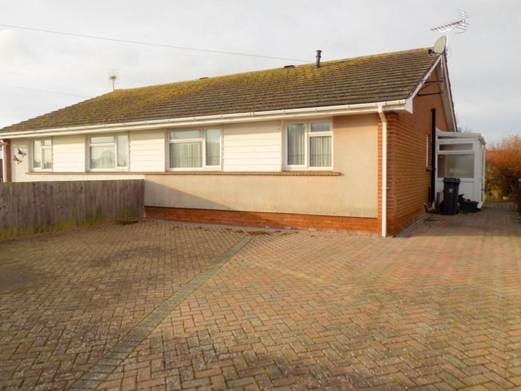 2 Bedrooms Semi Detached Bungalow for sale in Capel Lane, Exmouth