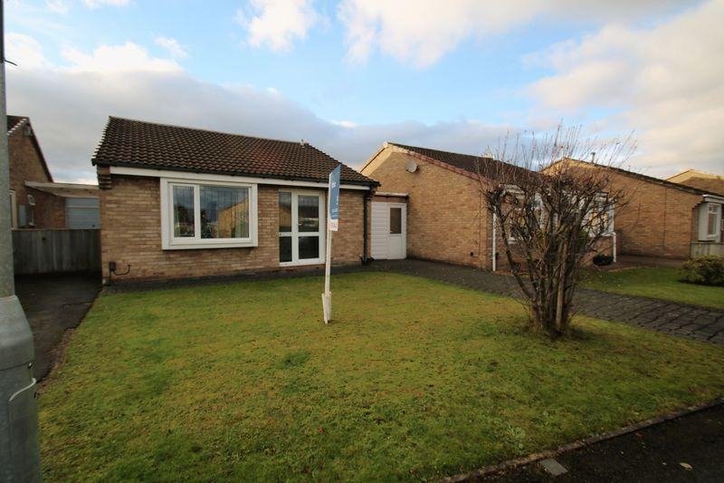 2 Bedrooms Detached Bungalow for sale in Fauconberg Way, Yarm, TS15 9QN