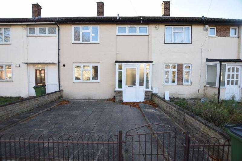 2 Bedrooms House for rent in Chalcombe Road, London