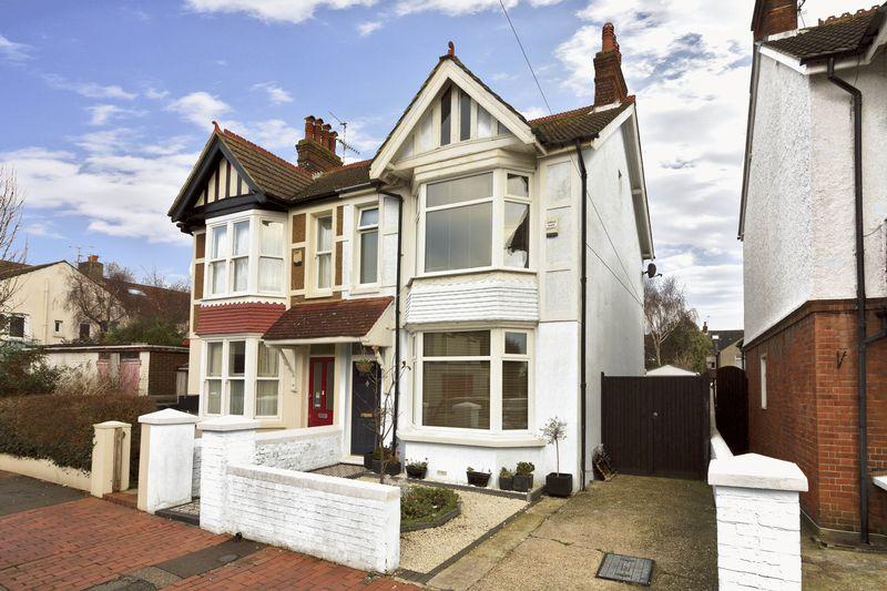 4 Bedrooms Semi Detached House for sale in Northfield Road, Worthing