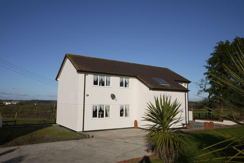 5 Bedrooms Detached House for sale in Highampton, Beaworthy