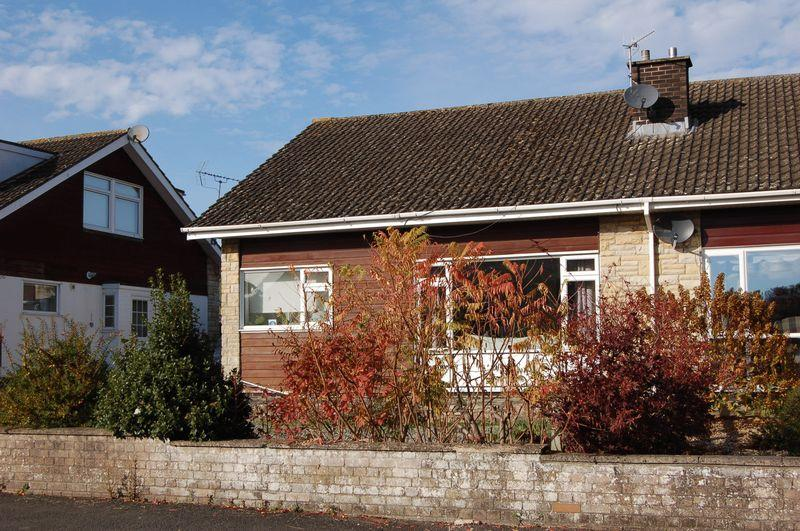 3 Bedrooms Bungalow for sale in Deceptively large semi detached dormer bungalow set in convenient location to town.