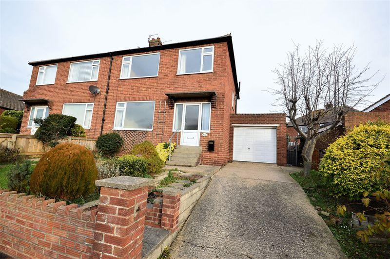 3 Bedrooms Semi Detached House for sale in Westlands Avenue, Whitby