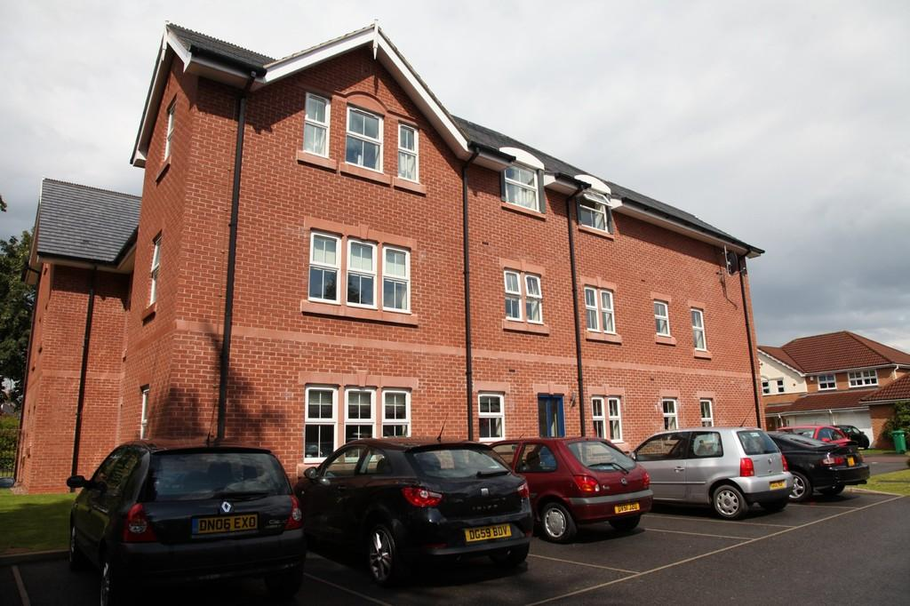 2 Bedrooms Apartment Flat for rent in Berkeley Towers, Blackthorn Close