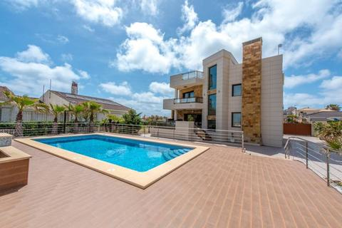 5 bedroom villa  - La mata, Alicante