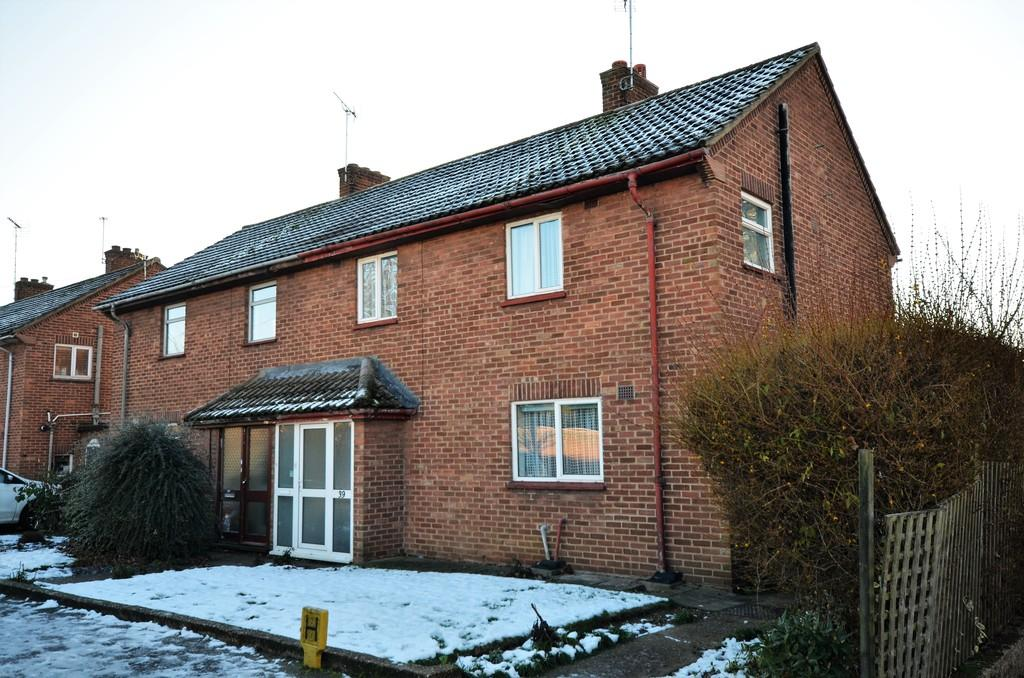 3 Bedrooms Semi Detached House for sale in Egerton Green Road, Shrub End, CO2 9DL
