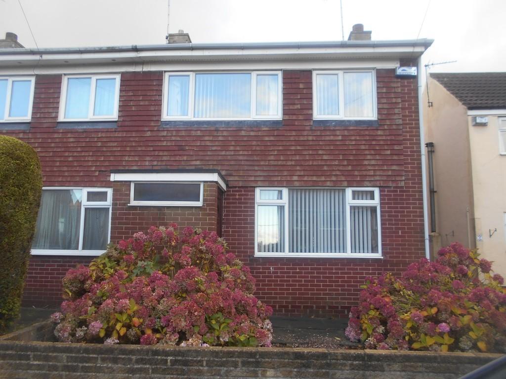 3 Bedrooms Semi Detached House for rent in Barleycroft Lane, Dinnington