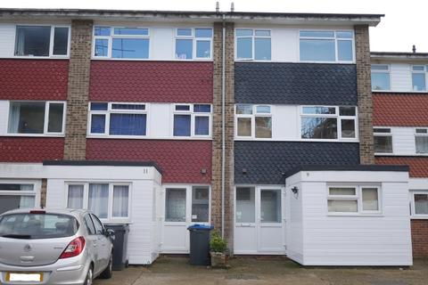 6 bedroom house to rent - Etwell Place, Surbiton