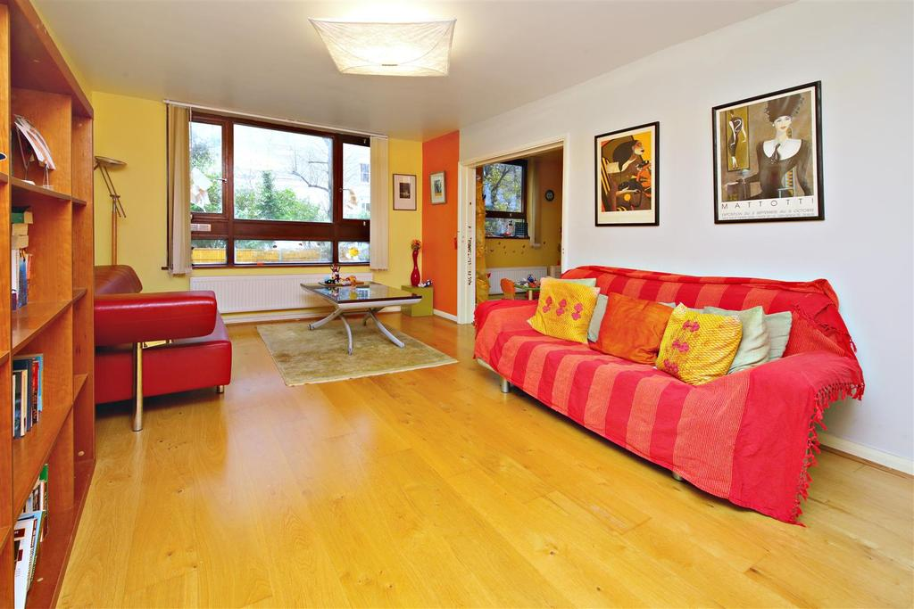 2 Bedrooms Flat for sale in Upper Park Road, London