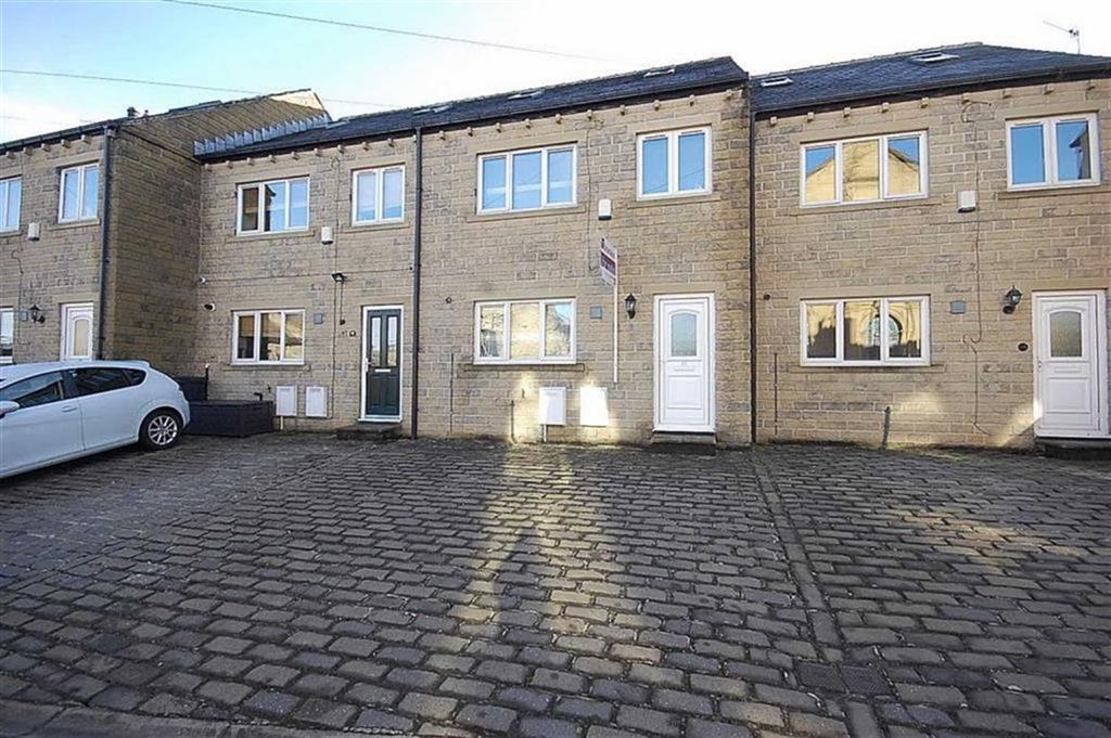 3 Bedrooms Town House for sale in Green Lane, Greetland, HX4