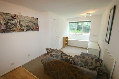 Studio to rent - Walesby Court, Cookridge, LS16