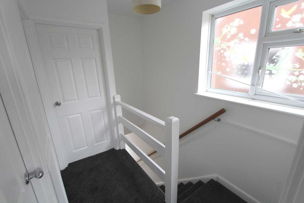 3 Bedrooms House