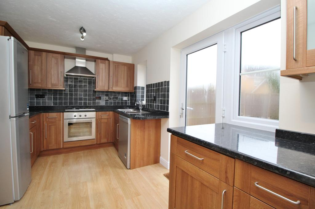 3 Bedrooms Semi Detached House for sale in As the crow flies, 0.3 miles from Whiteley Primary School