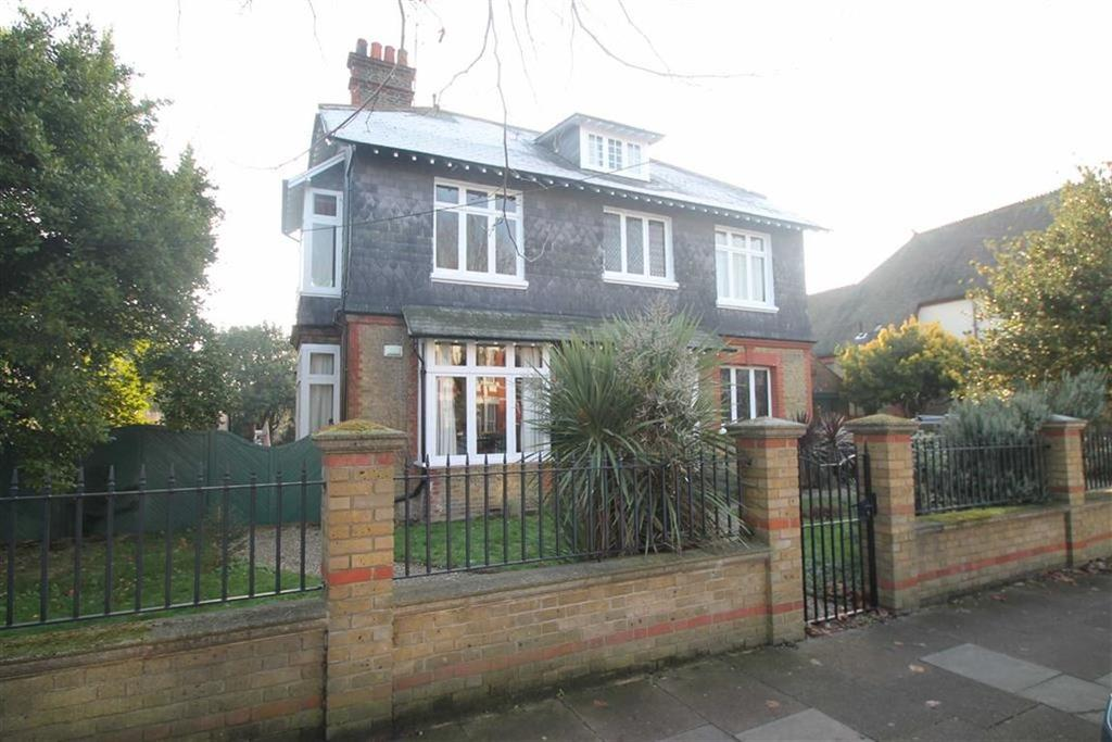 7 Bedrooms House for sale in St Vincents Road, Westcliff On Sea, Essex