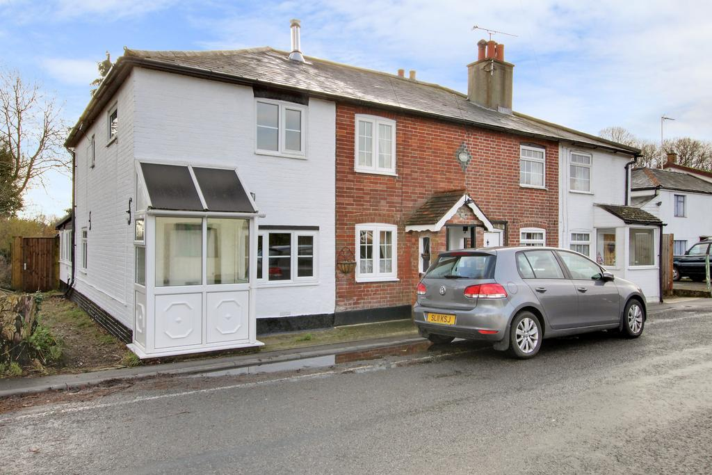 2 Bedrooms Cottage House for sale in BUNKERS HILL, DENMEAD