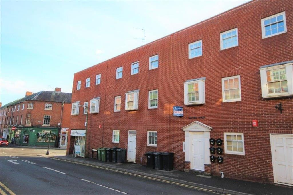 2 Bedrooms Flat for rent in Bridge Street, STOURPORT ON SEVERN, Worcestershire